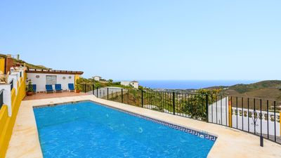 Photo for Holiday home with spectacular sea views in Torrox