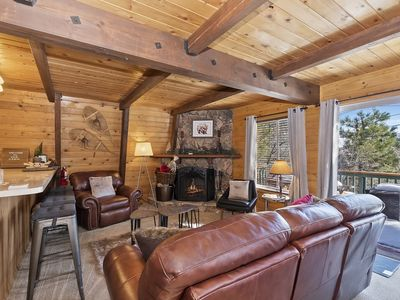 Photo for Starview Lodge: Gorgeous Gambrel in Moonridge Near Bear Mountain with Surrounding Mountain Views!