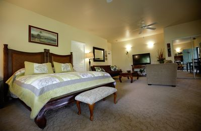 """Photo for """"Island Goode's""""  Mauna Kea Room - Extra Large Luxury Room - Air Conditioned"""
