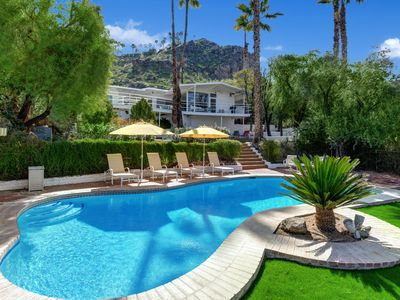 Photo for Historic Howard Hughes Mini Estate in Araby Cove+Great Mountain Views - Howard H