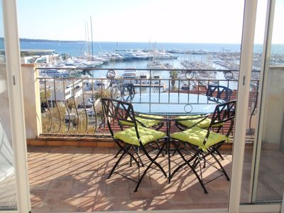 Photo for Cannes luxury studio with stunning sea view balcony, just off La Croisette, A/C