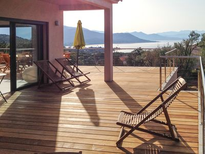 Photo for Amazing sea view villa, 5-10mn walk to the beach, for 12 people