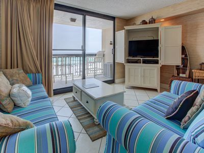 Photo for Welcoming Unit, On-site restaurant, Multiple pools with splash pad, On the beach