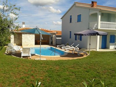 Photo for Vila with pool and spacious outside area