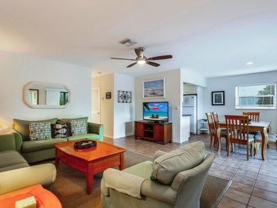 Photo for Sanibel Arms, C8 - Dock Side, 2 Bed/2 Bath, w/Porch