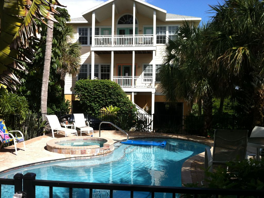Private beach house elevator heated pool vrbo for Beach house elevator