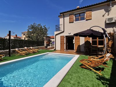Photo for New holiday home with pool in the medieval Bale