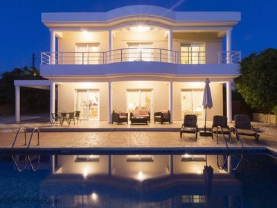 Photo for Skytrees Villa - 4 Bed, 3 Bath Villa with Private Pool near the Sea. Walk to Tavernas