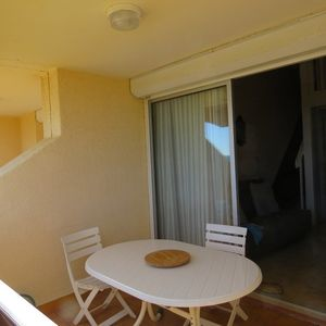 Photo for T2 duplex mezzanine apartment - 6 people - Direct access to the beach