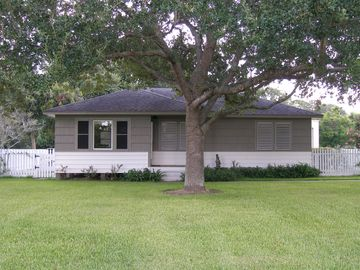 Texas City Home - Work or Play Near Galveston Bay