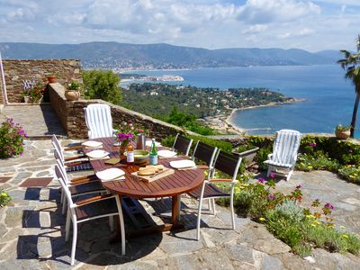Photo for Villa with panoramic sea views in private gated domaine of Gaou Benat