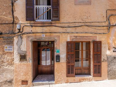Photo for Mediterranean Holiday Home with Balcony, Terrace, Patio & Wi-Fi
