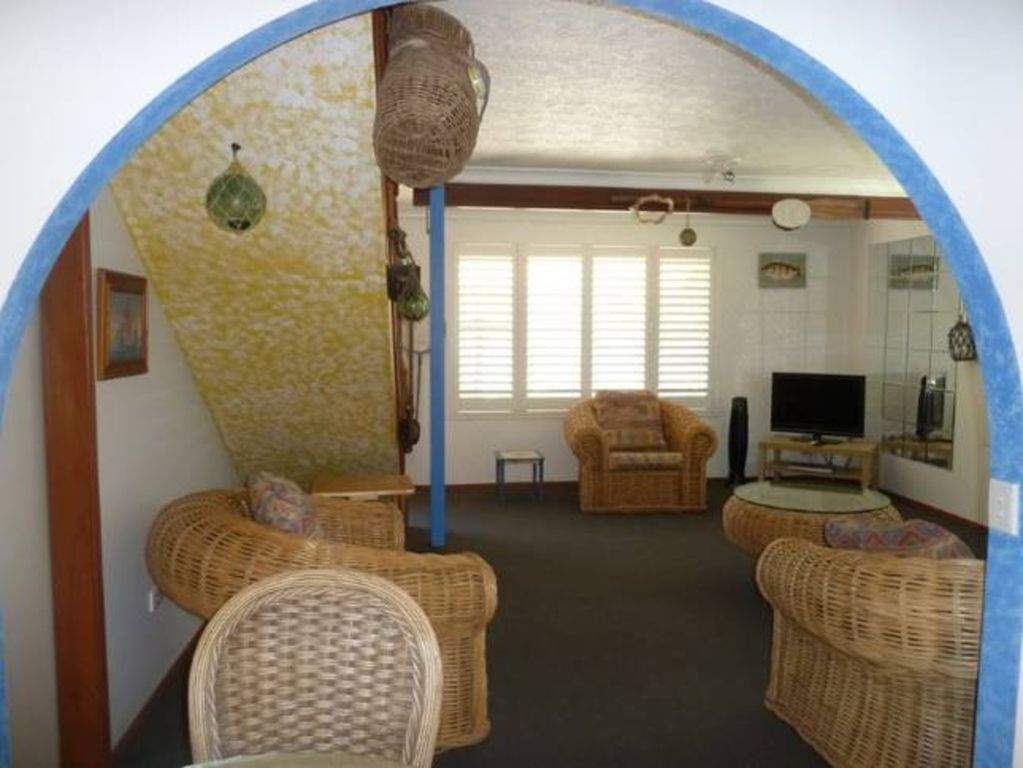 Sails Beach House Apartment - Pet Friendly