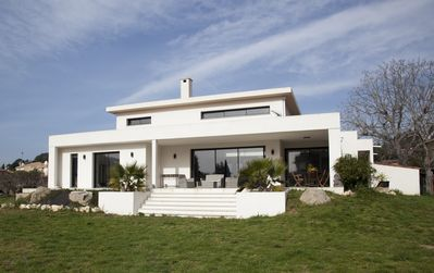 Photo for contemporary villa, 6/8 people, beaches nearby
