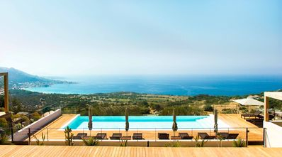 Photo for Exceptional villa with pool and magnificent sea view
