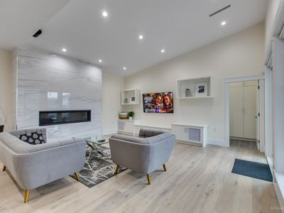 Photo for New Modern Luxury 4-bdrm Home (Mins from Skytrain)