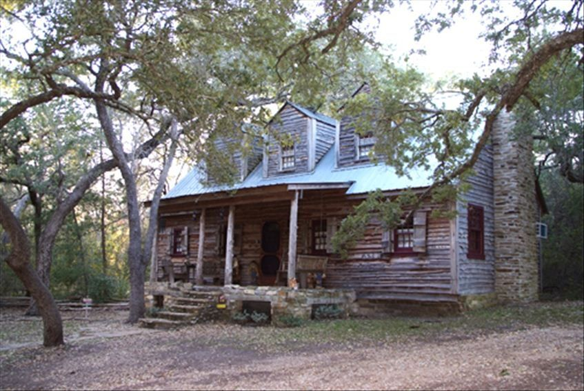 Beautifu Rustic Cabin Near Round Top, TX