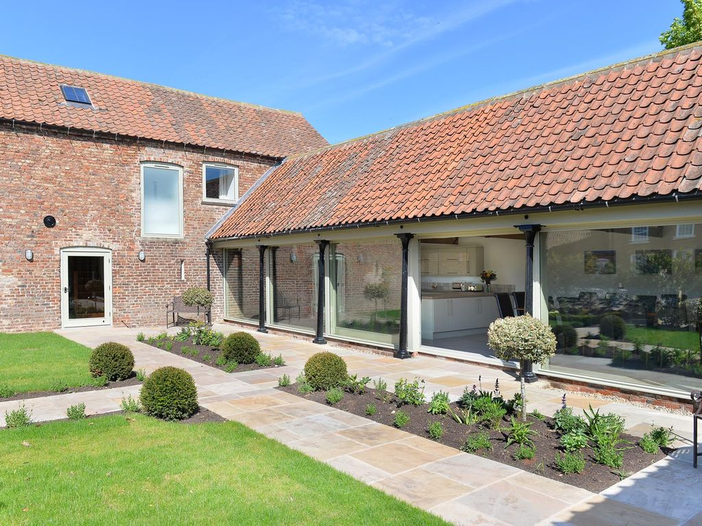 Large Detached Luxury Barn Conversion With Private Indoor Swim Spa