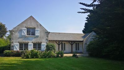 Photo for Beautiful family house, 3000m² enclosed garden, 400m from the beach
