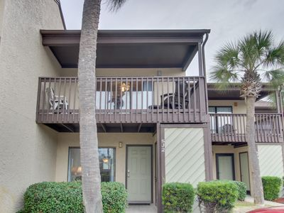 Photo for NEW LISTING! Resort condo w/ balcony, shared pools, hot tub & gym -near beach!