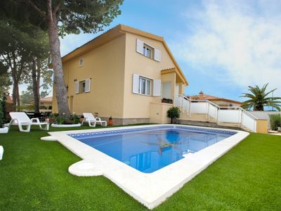 Photo for 4 bedroom villa, private pool in Pino Alto