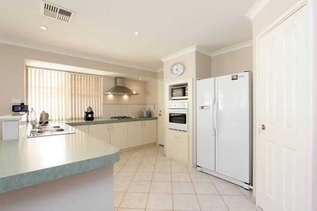 Adare house sparkling solar heated pool canning vale for E kitchens canning vale