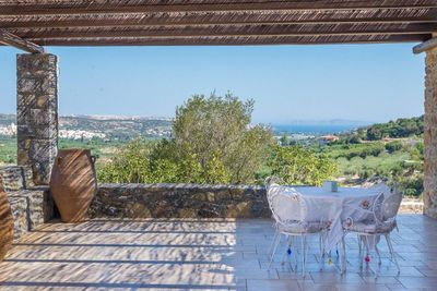 The terrace offers ample shaded space to enjoy your meal, to read or just relax while enjoying the far reaching views