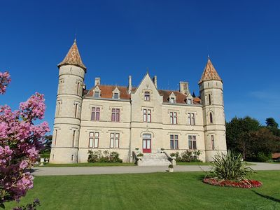 Photo for GITE DU CHATEAU, burgundy area, spas, wine route.