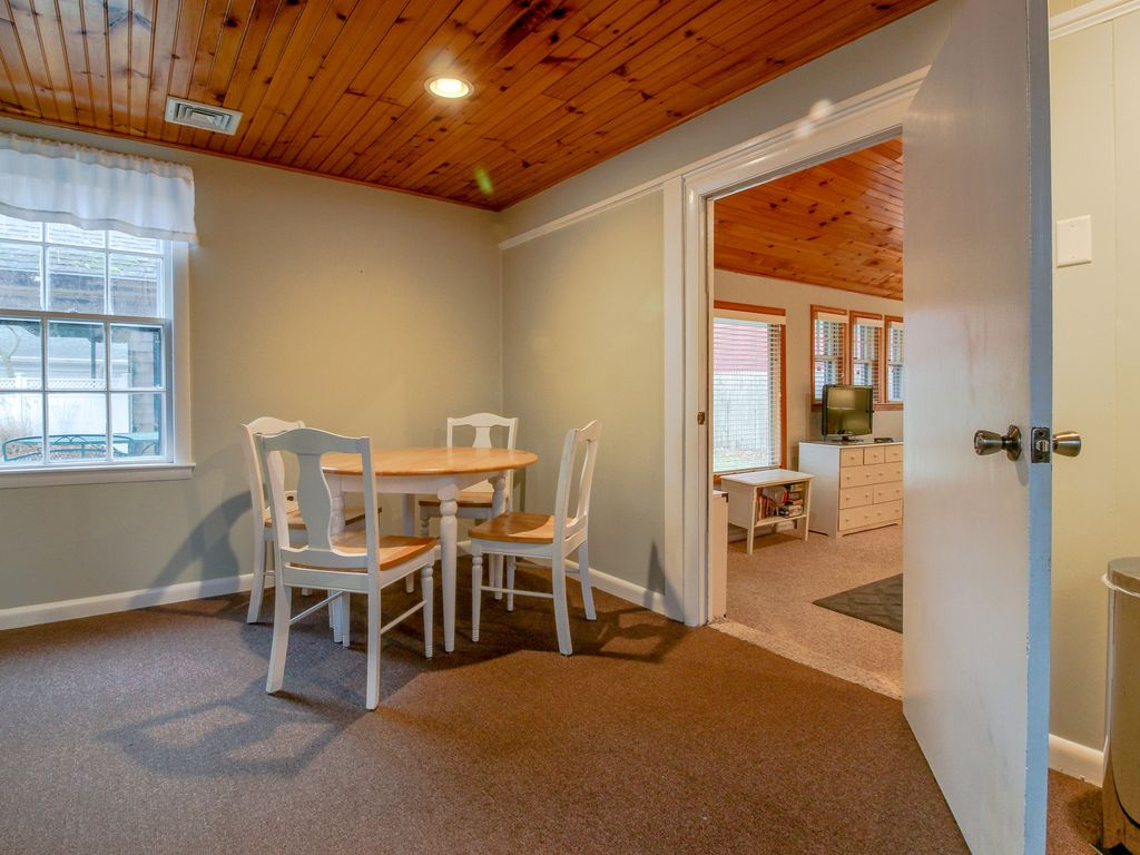 dog rental shores waterfront in sweet cod friendly unit cottage pet cottages getaway cape edgewater