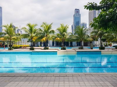 Photo for Comfy One Bedroom with Stunning View in Makati CBD