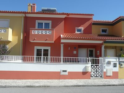 Photo for House for rent near the beach in the bay of Sao Martinho