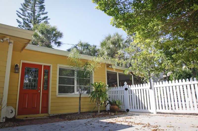 Nice Beach House Rental Siesta Key Part - 2: Front Door And Gateway To Pool Area And Lanai