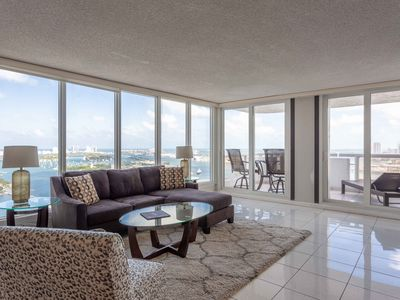 Photo for Grand 4157 | Downtown Miami | 2BR | Ocean Bay View + Balcony