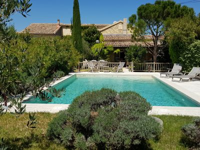 Photo for Provencal farmhouse with character at the foot of the Dentelles de Montmirail