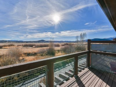 Photo for 2 Bed/3 Bath Townhome w/Hot Tub, Pool Access, Beautiful Views