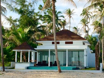Photo for Beautiful Beachfront 3 BRM, private pool