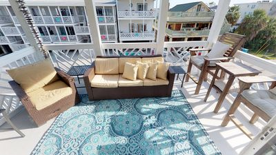 Lovely Condo !!     Booking fast, great rates Relax and listen to waves on porch