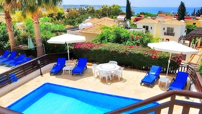 Photo for Detached Villa In Coral Bay With Private Pool - Car Not Required