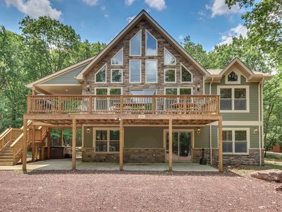 "Photo for ""Snowcap"" 7 Bedroom Lodge; Sound System, Twin Gas Fireplaces and Hot Tub, Pool Table"