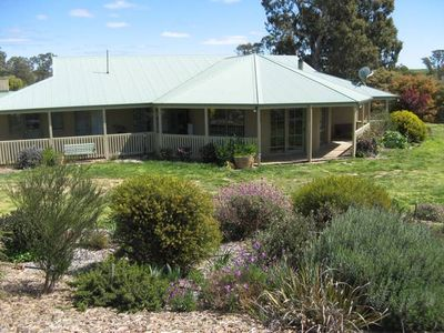 Photo for Stunning farmstay in beautiful Harcourt Hills