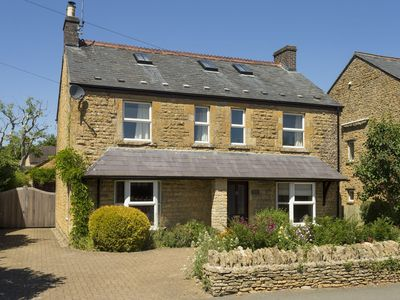 Photo for Perfectly located within the heart of this beautiful Cotswold village of Bourton-on-the-Water