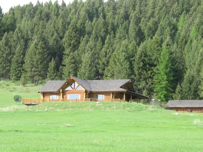 Photo for Fossen's Guest Lodge - 5000 sq. ft