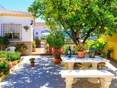 Photo for Wonderful private villa for 6 guests with WIFI, private pool, A/C, TV and parking