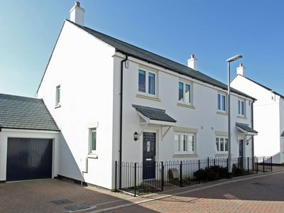 Photo for 4 bedroom accommodation in Padstow