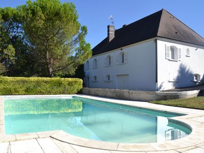 Photo for Comfortable home with Private Pool in famous market town of Chagny