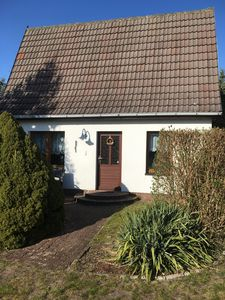 Photo for Family friendly holiday house in a central, quiet location.