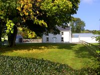 Great country farm house close to beach