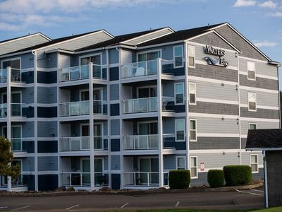 Photo for Top floor bay front condo w/ easy access to the surf in Lincoln City, OR!