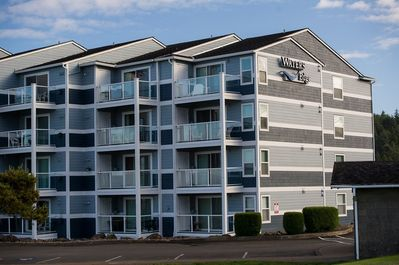 waters edge complex