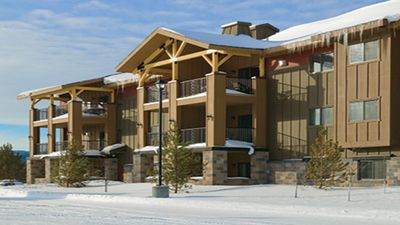 0.8 miles to Yellowstone Gate- One Bedroom - Full Kitchen - WorldMark by Wyndham
